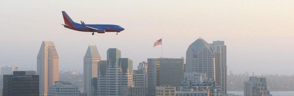 san diego travel guide plane landning