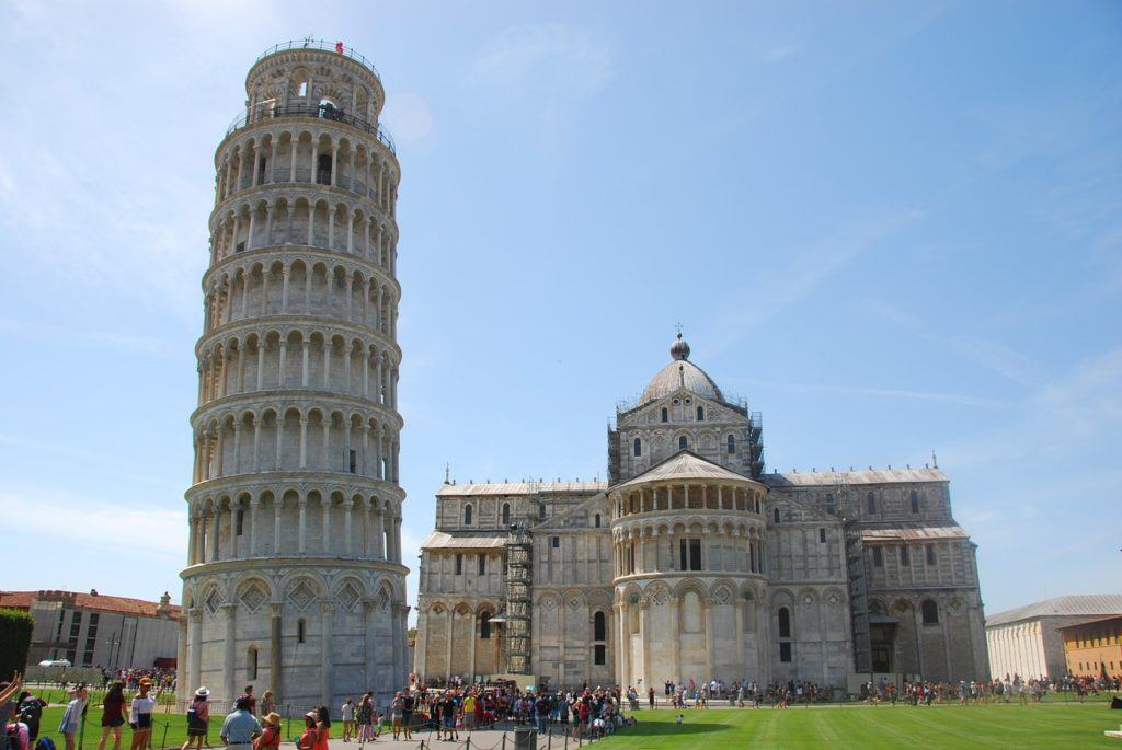 where to stay in tuscany without a car pisa