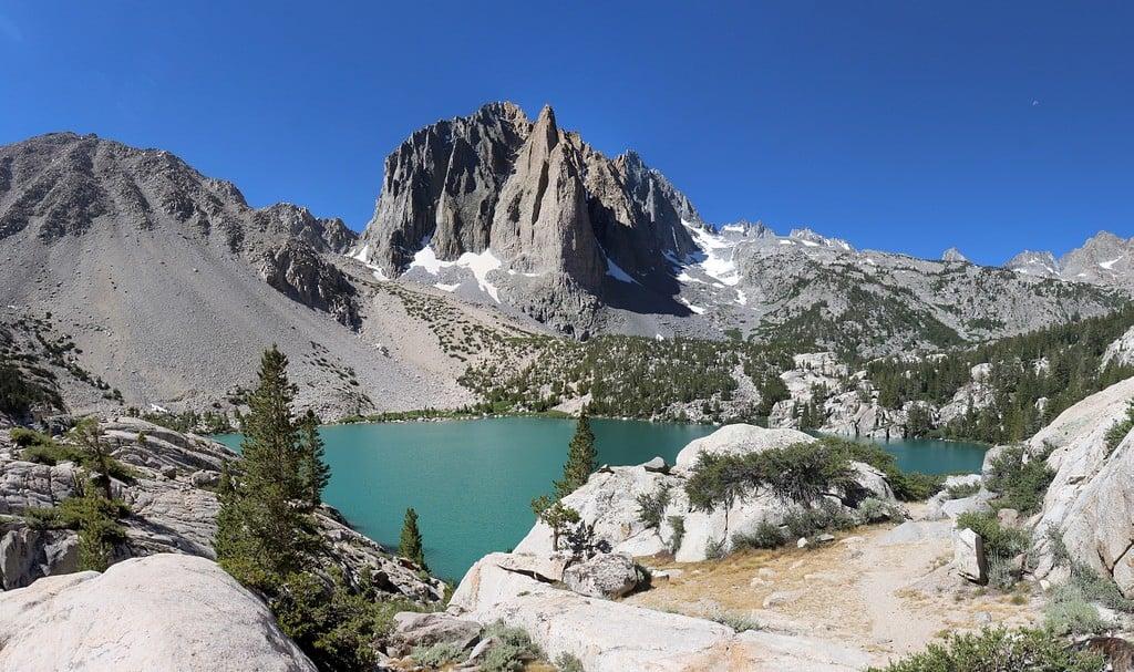 best glacier lake hike in California