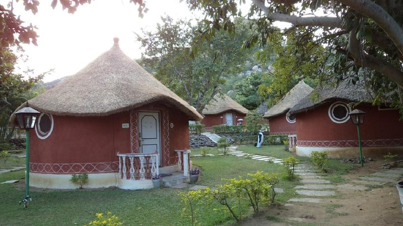 Kishkinda Heritage Resort best hostels in India