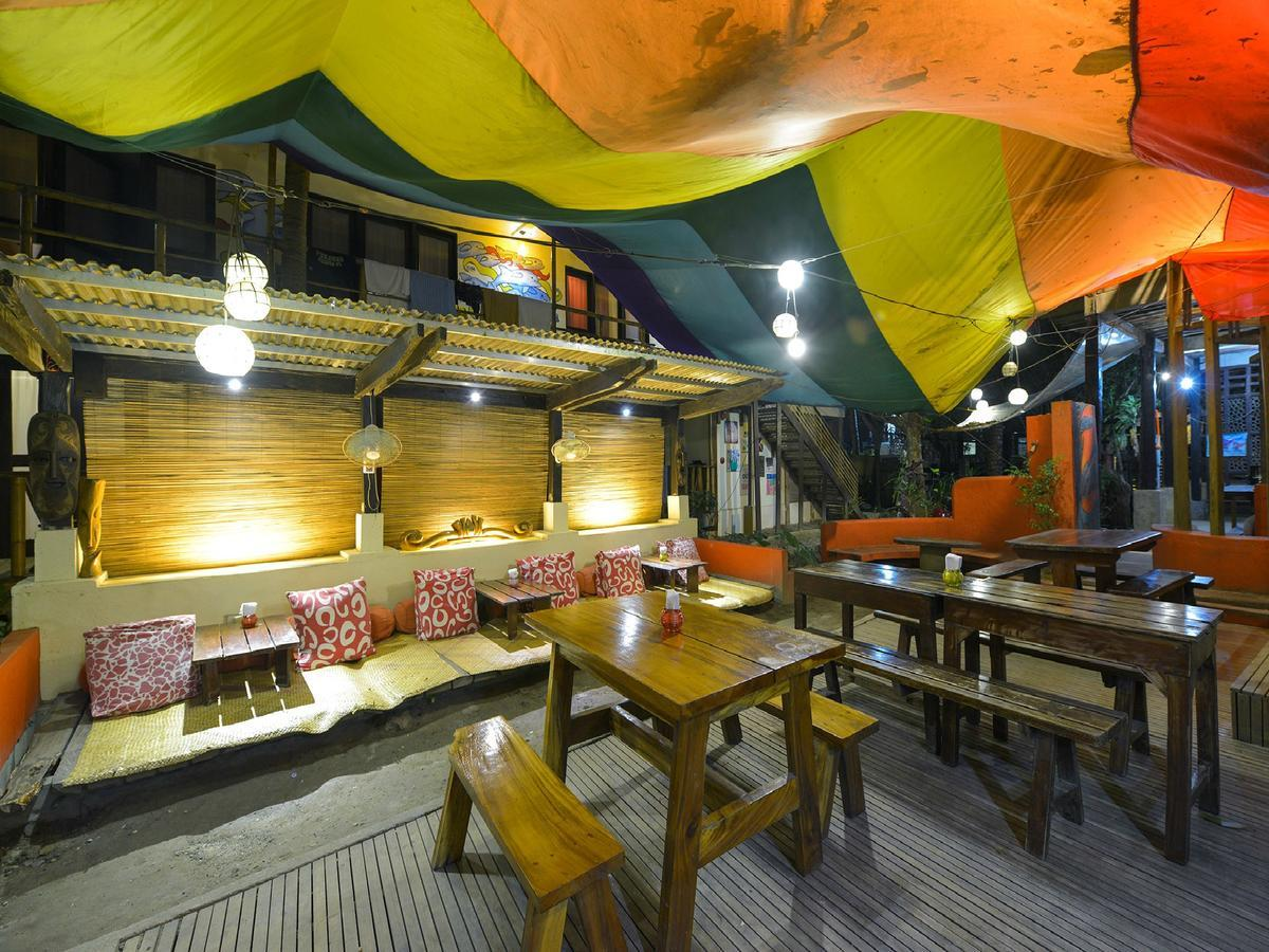 Lazy Dog Bed and Breakfast best hostels in Boracay