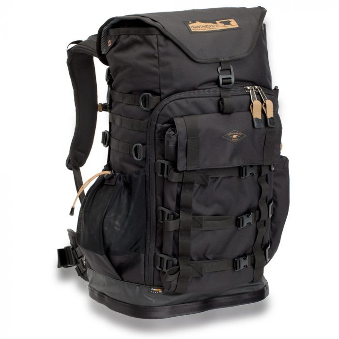 Mountainsmith TANUCK 40L Backpack in black