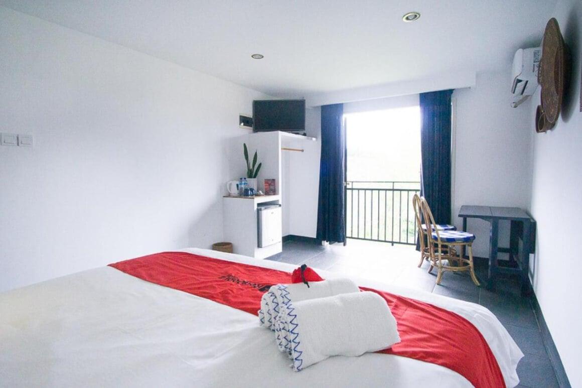 RedDoorz Premium Hotel