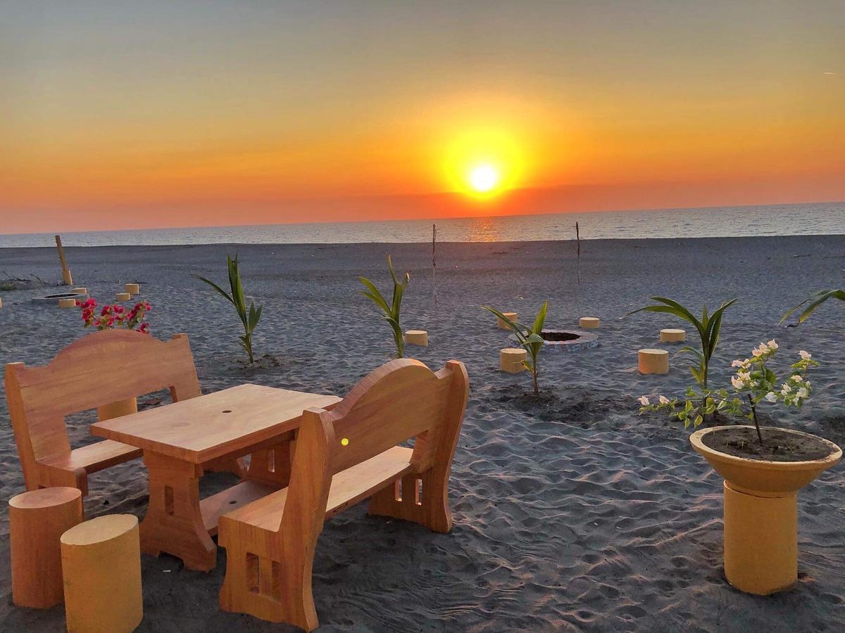 Sea Breeze Beachfront Home best hostels in La Union