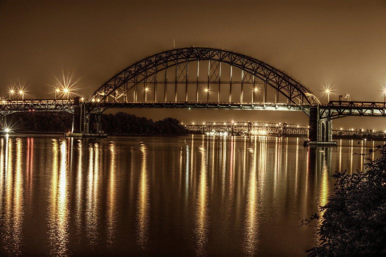 gritty bridge in philadelphia travel guide