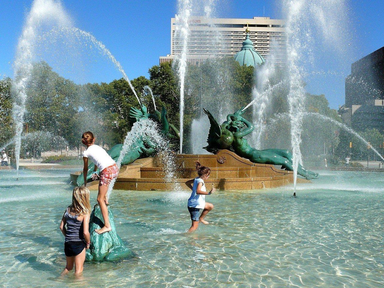 children in fountain philadelphia travel guide