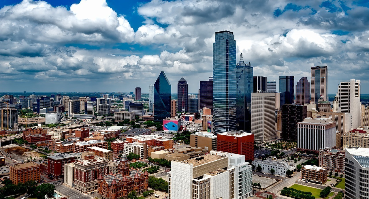 where to stay in dallas skyline