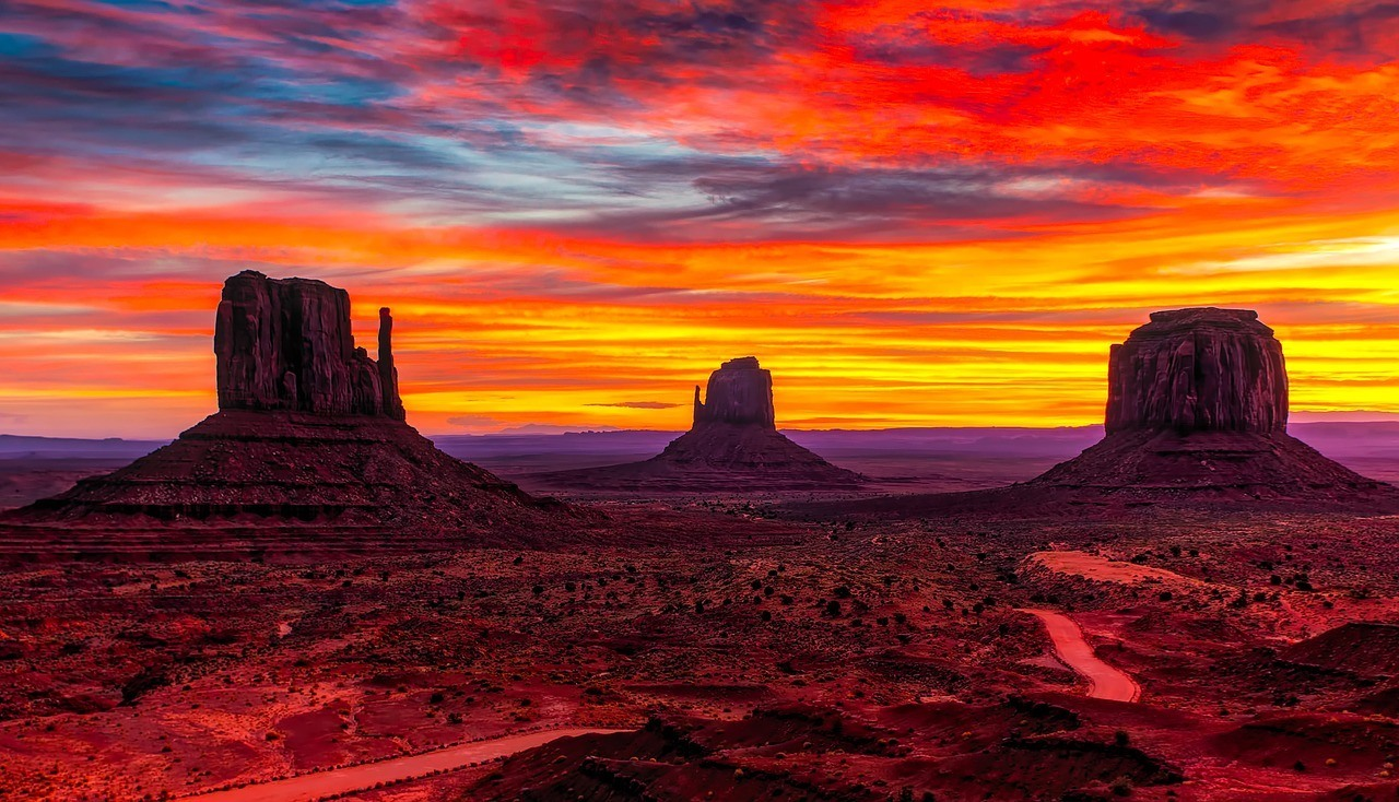 monument valley sunset best places in utah