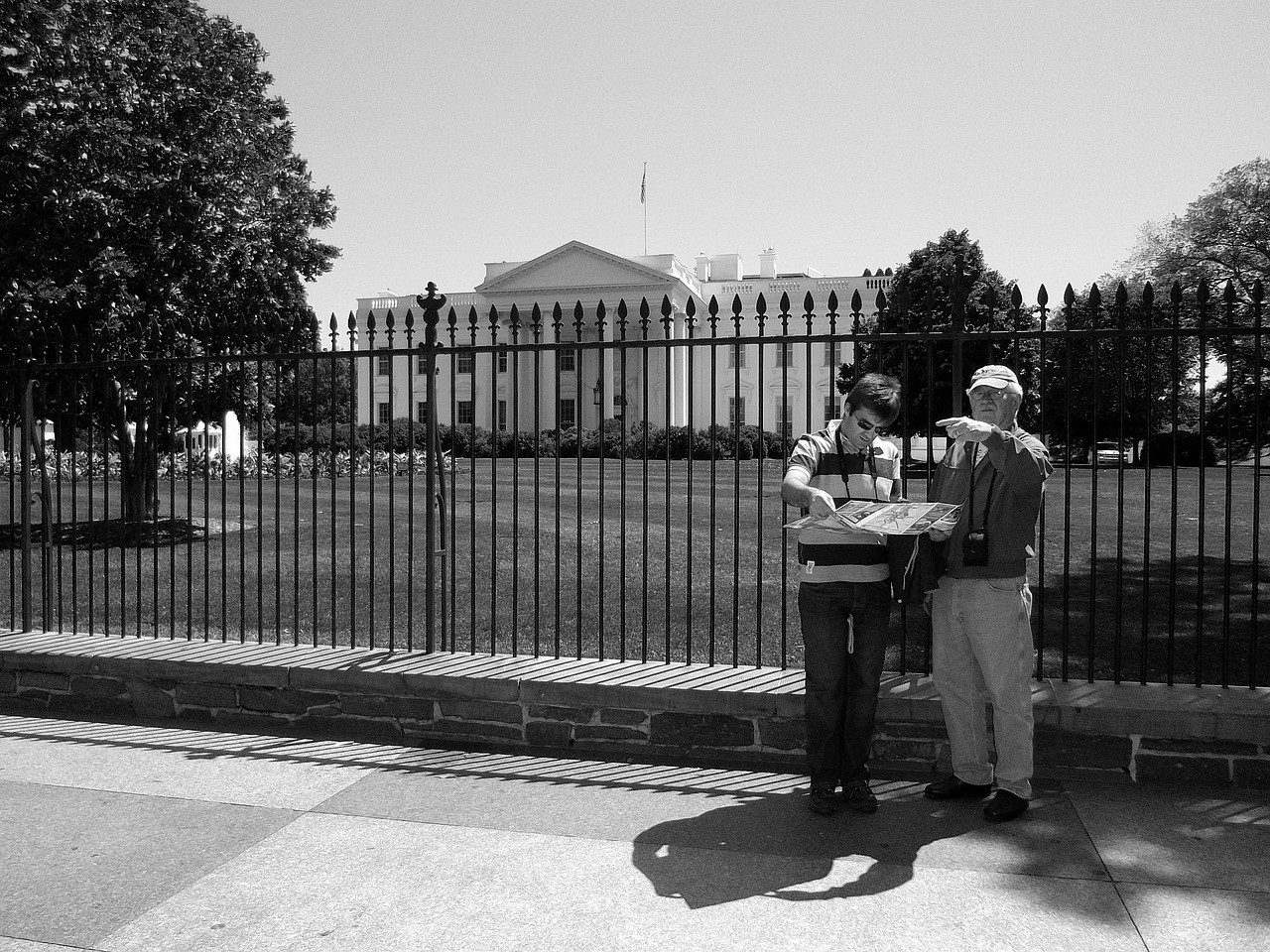 tourists in washington dc travel guide