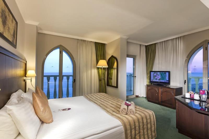 Crowne Plaza Hotel Antalya
