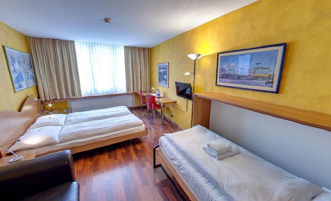 Hotel California Zurich