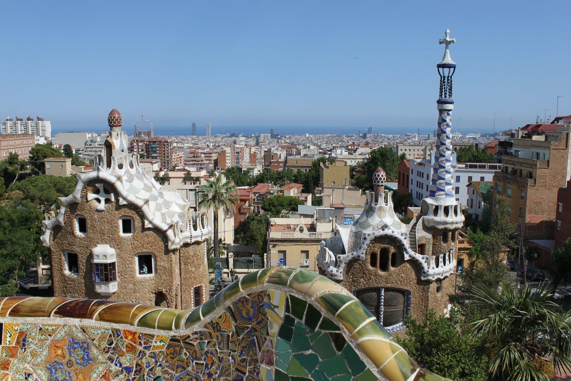 barcelona safe to live gaudi architecture