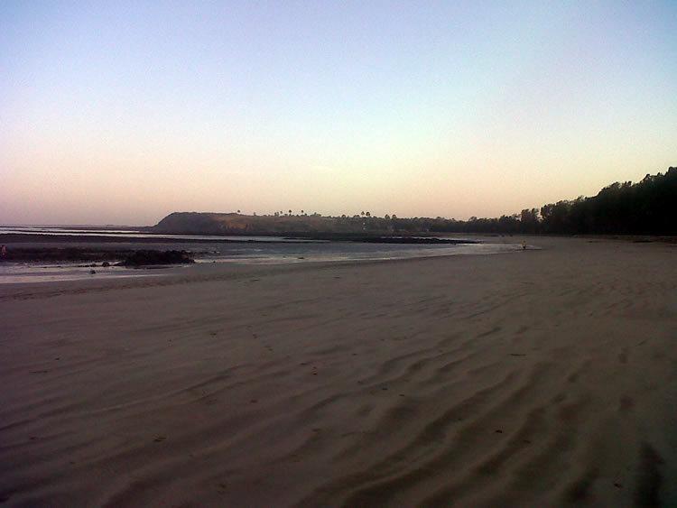 manori beach in mumbai