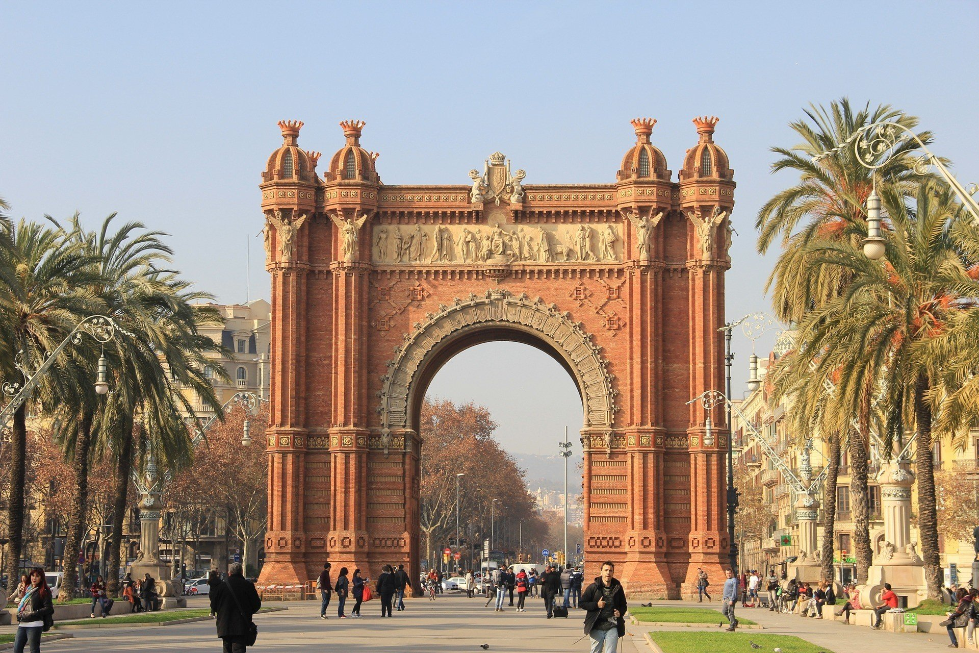 safety tips for traveling in barcelona