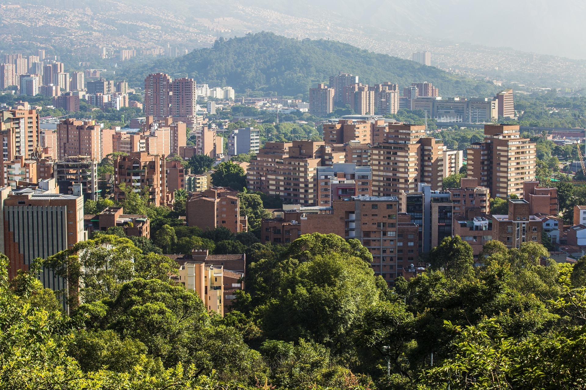 safety tips for traveling in medellin
