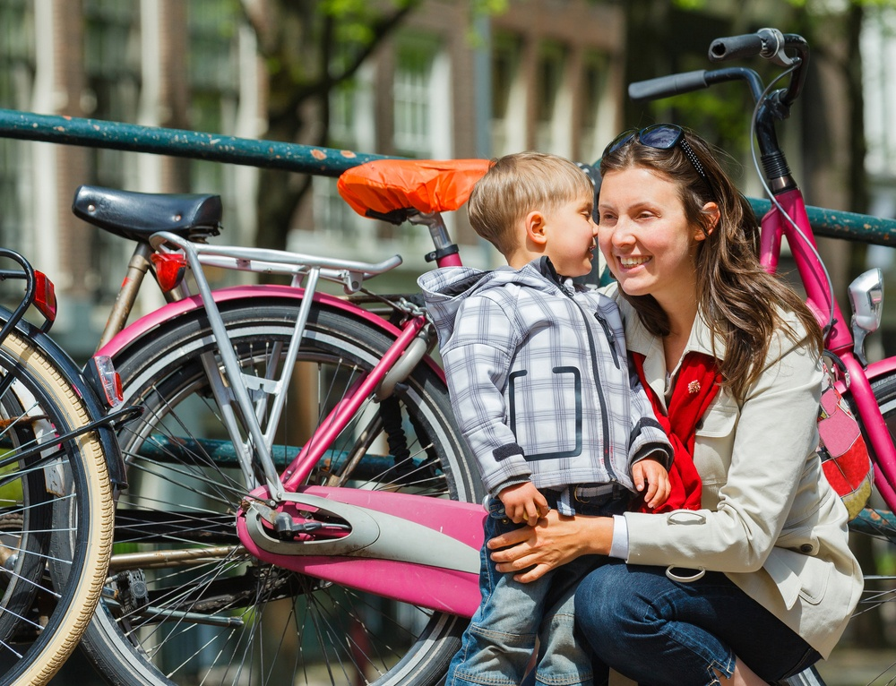 Is Amsterdam safe to travel for families?