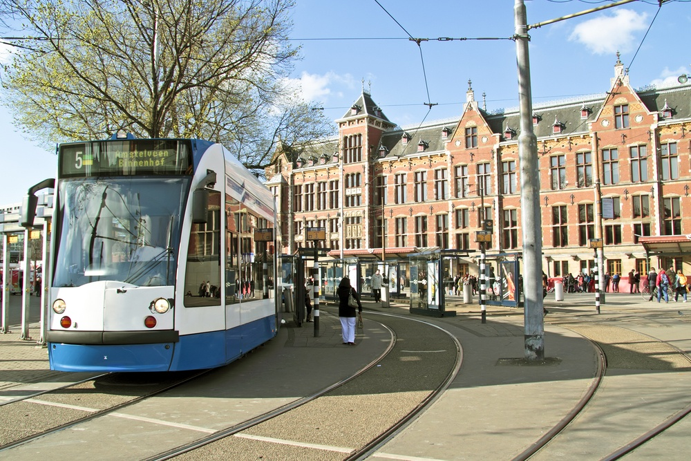 public transportation amsterdam