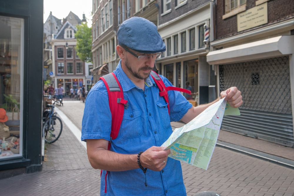 Is Amsterdam safe to travel alone