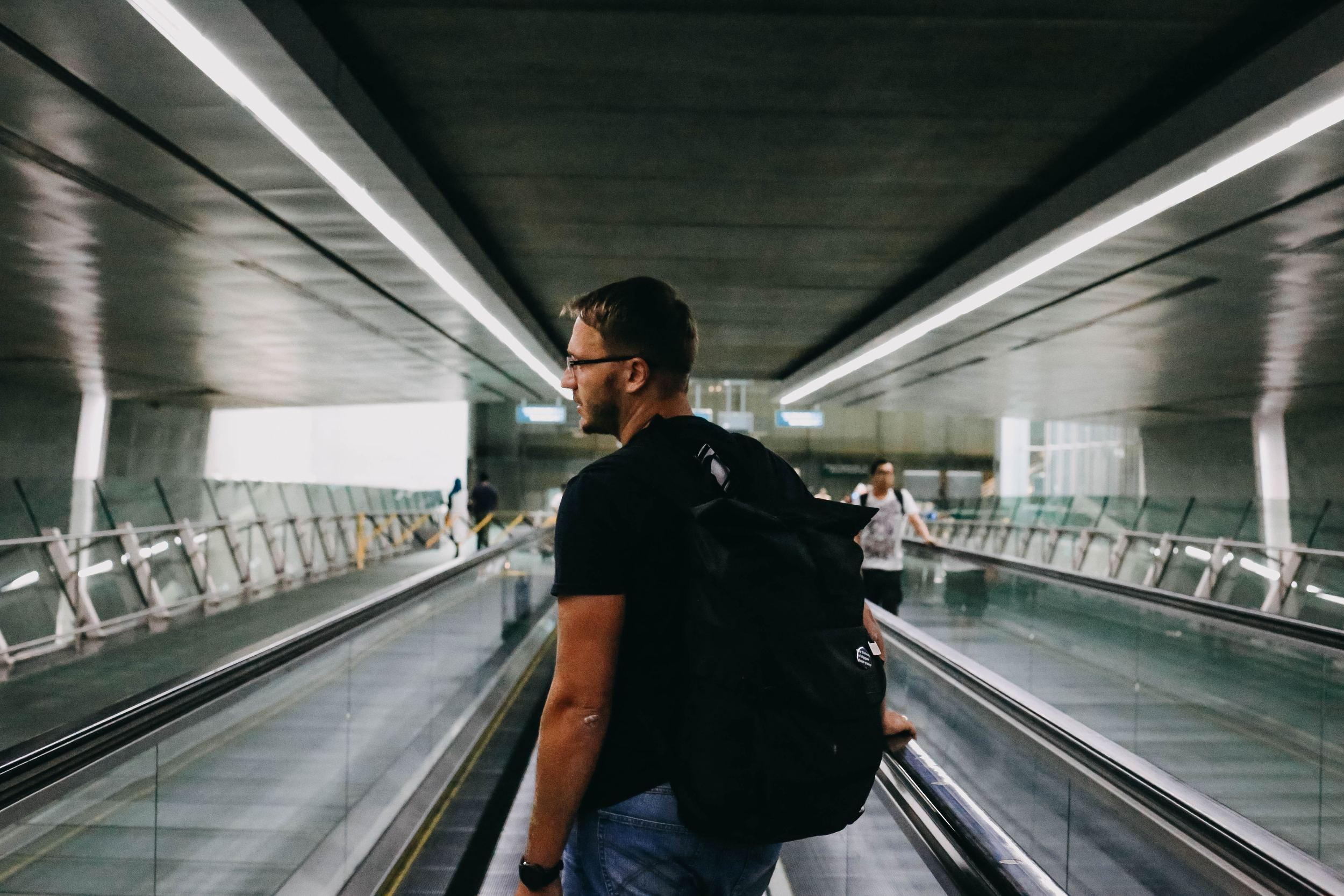 singapore safe traveling alone
