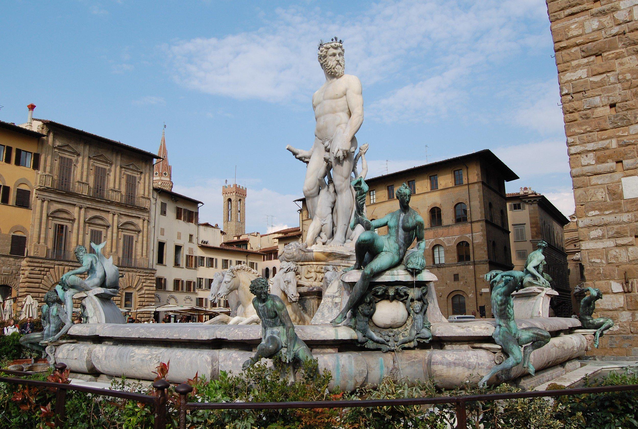 piazza in florences best neighborhoods