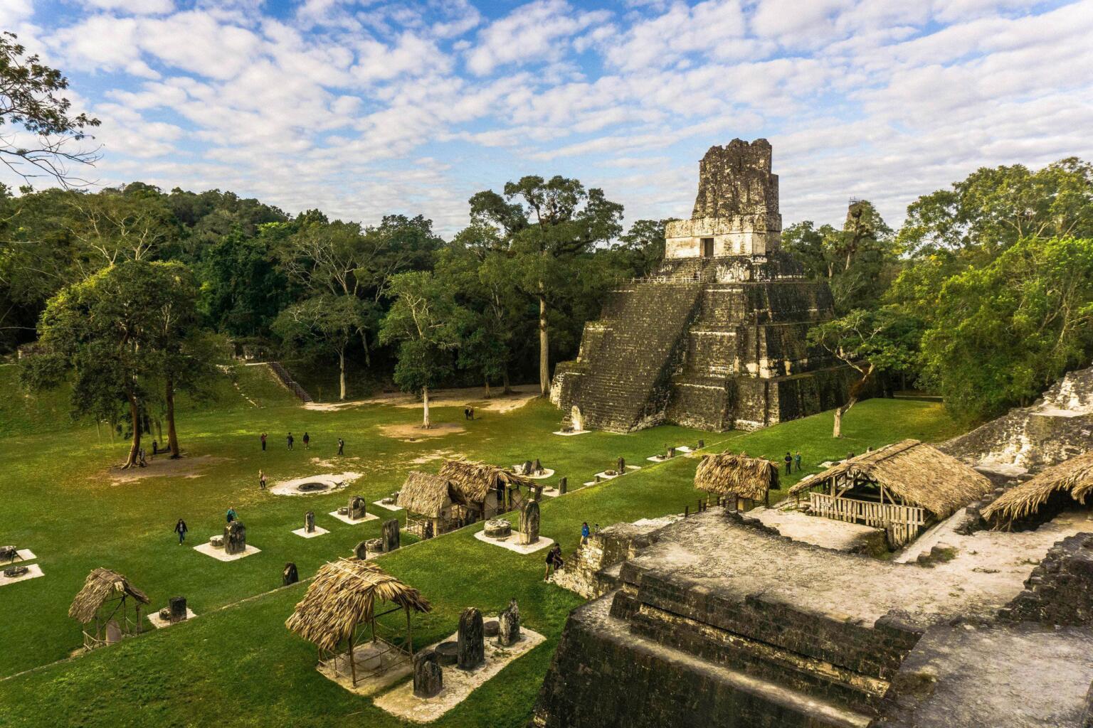 Руины Тикаля в Гватемале