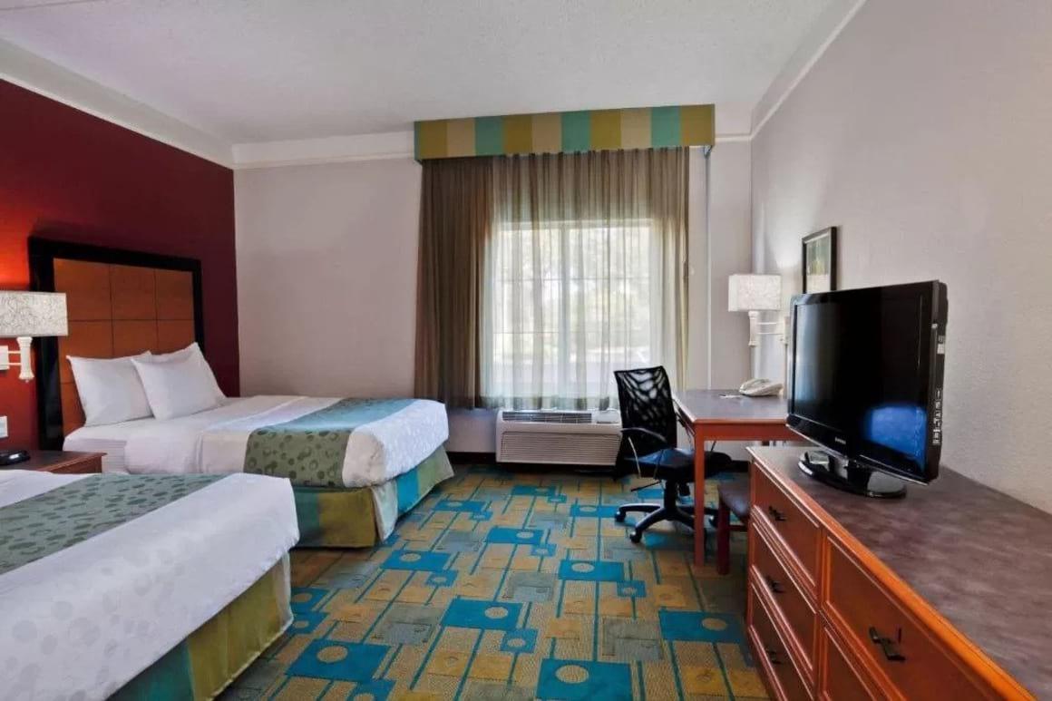 La Quinta Inn and Suites Tampa USF