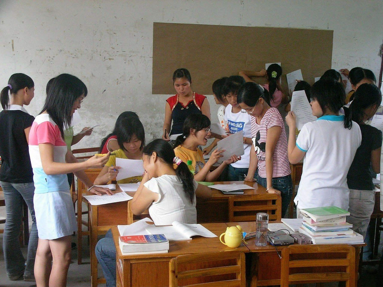 Teaching English in Laos in a classroom of children