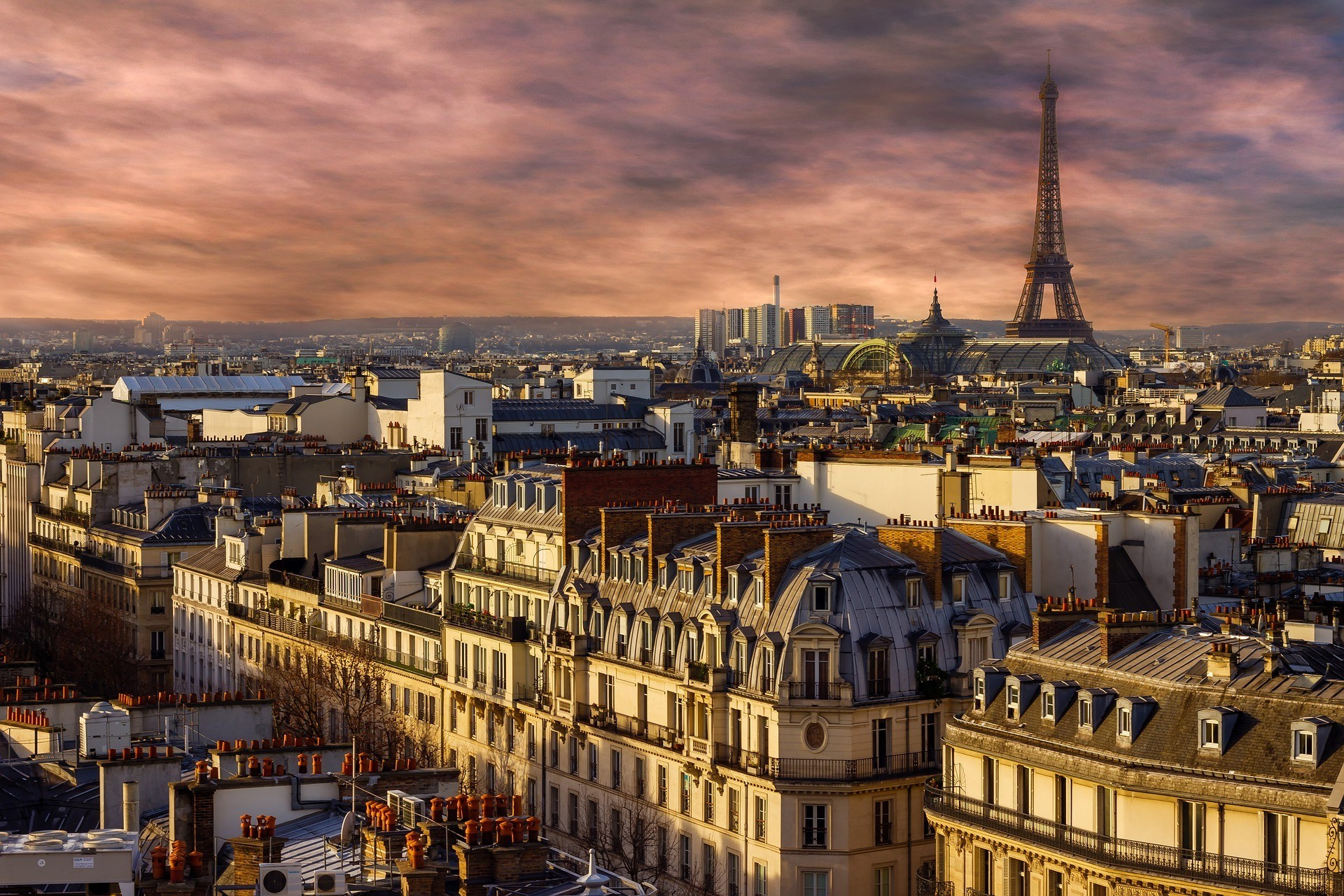 sunset in paris safe to live
