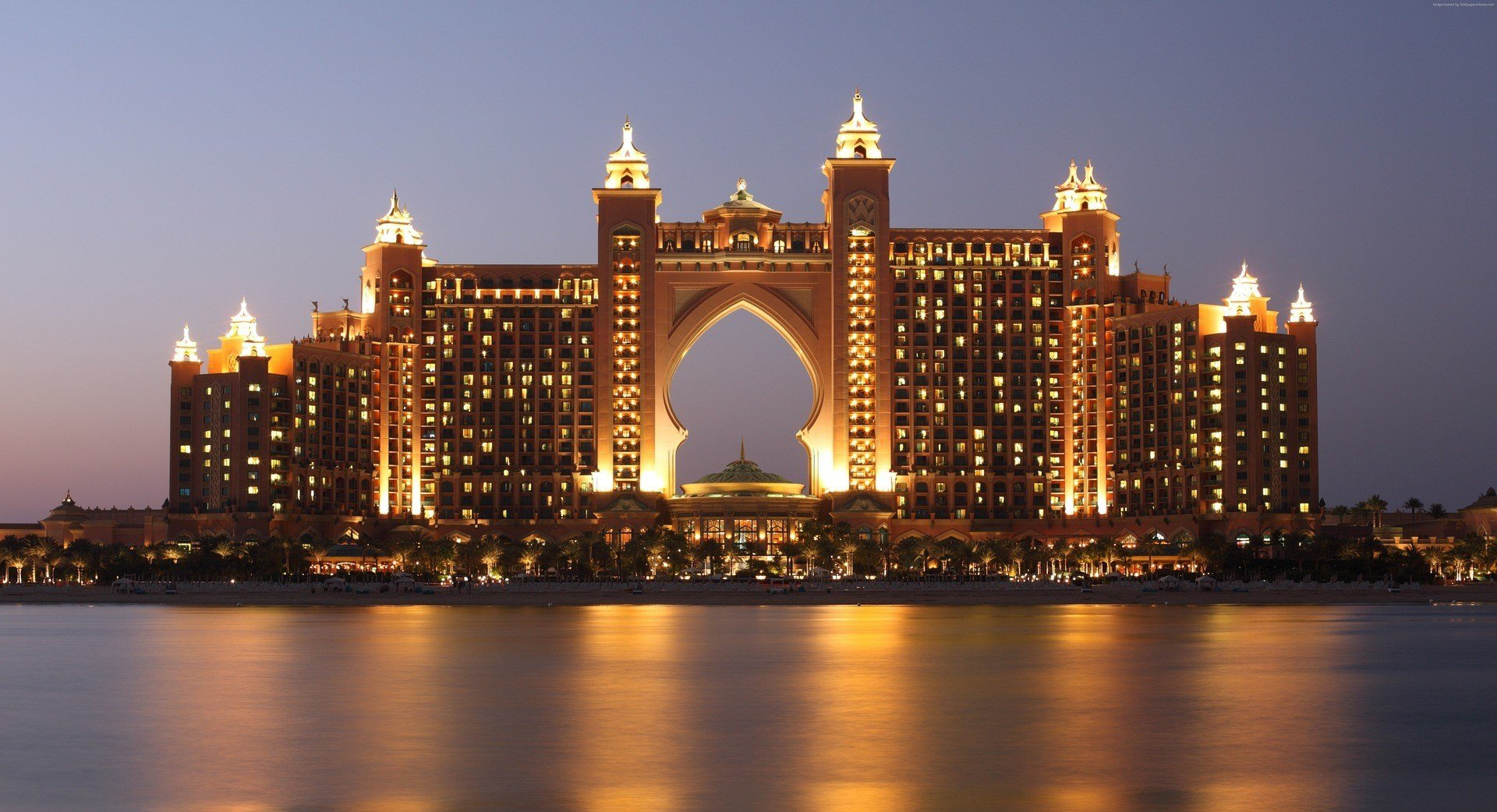 A well-lit buidling in Dubai