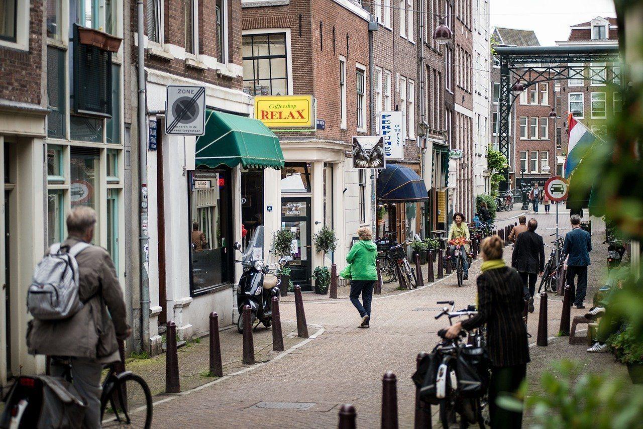 Experience an Amsterdam Cannabis Coffeeshop