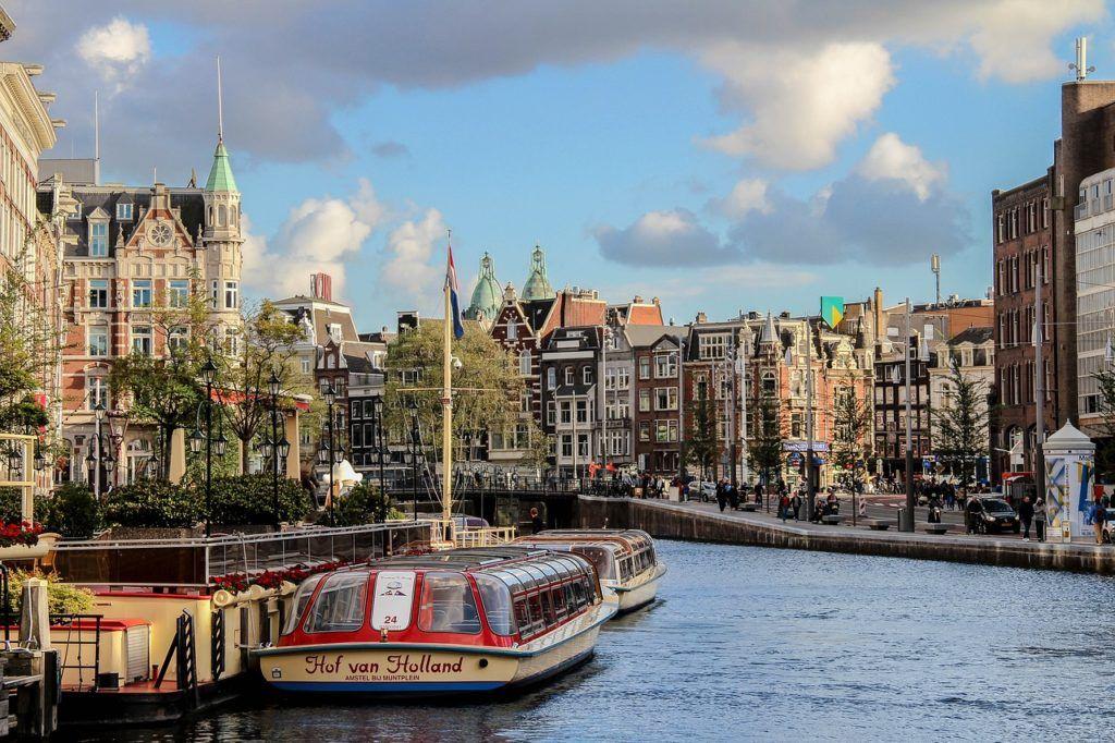 Enjoy a Relaxing Canal Cruise