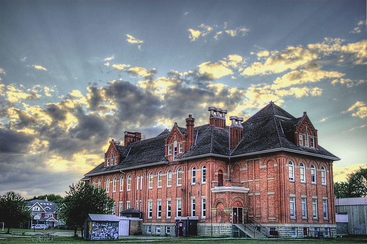 Queen Alexandra, Edmonton