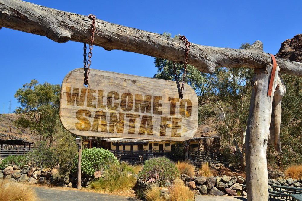 Welcome to Santa Fe sign in the USA