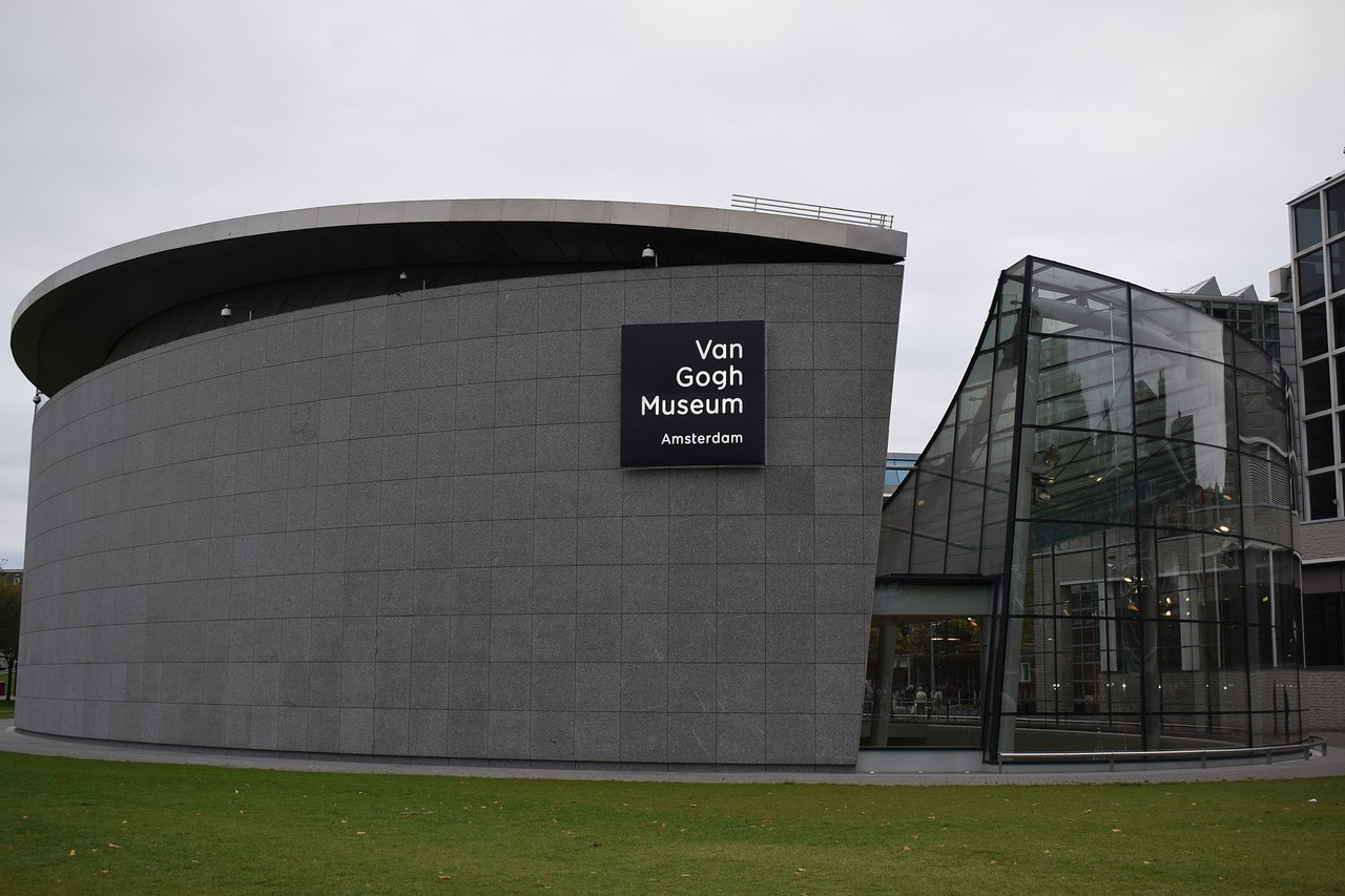 Visit the Van Gogh Museum