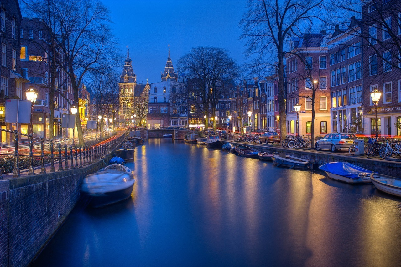 when to visit Amsterdam