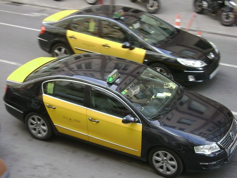 Are taxis safe in Barcelona?