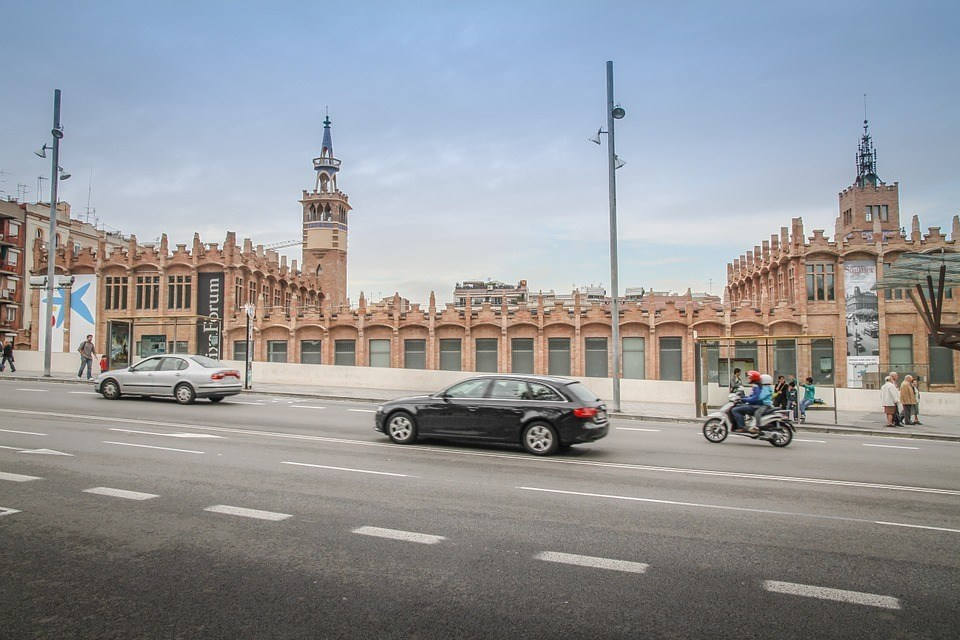 Is it safe to drive in Barcelona?
