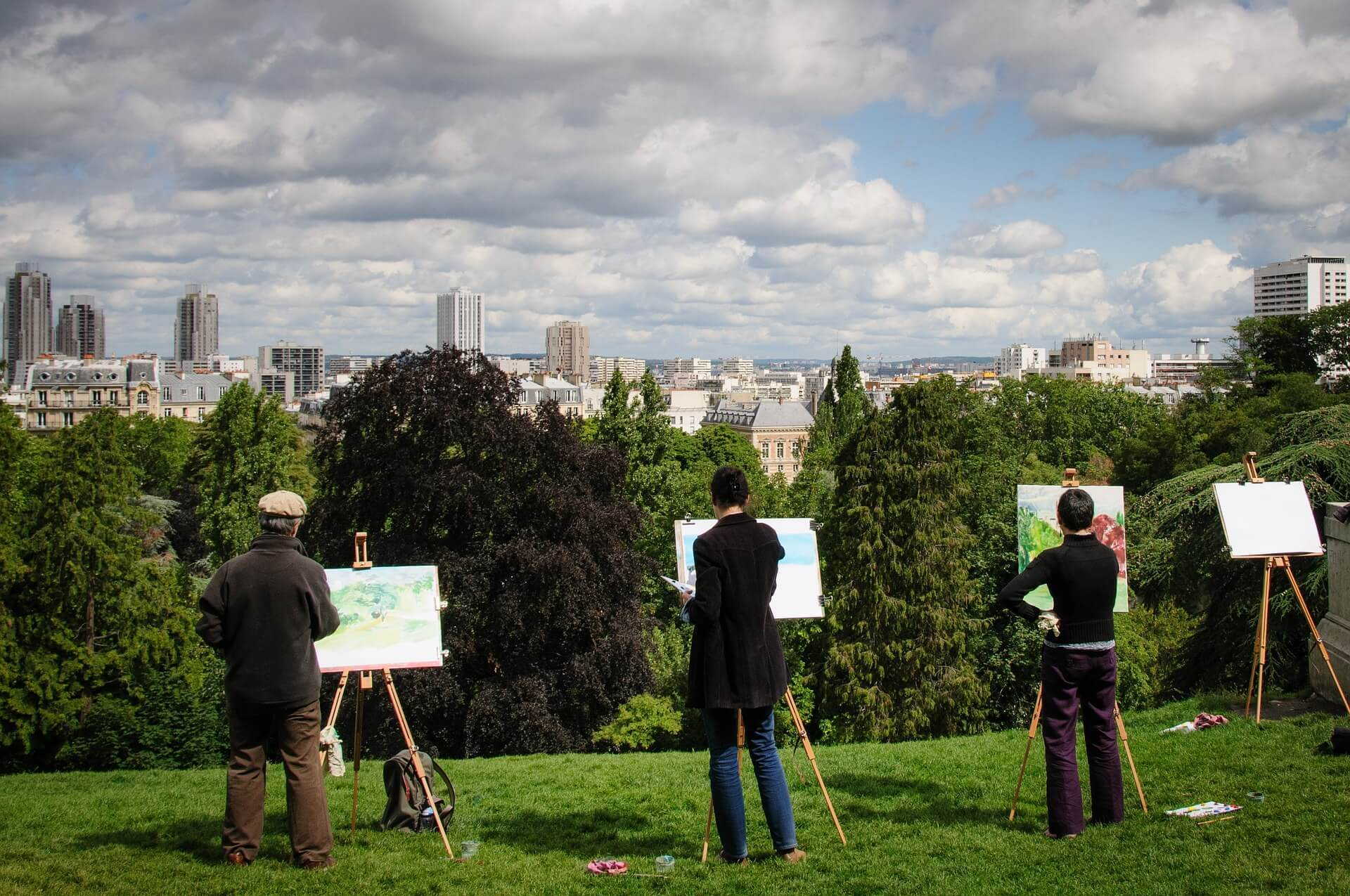 Buttes-Chaumont Park - A beautiful outdoor place to visit in Paris