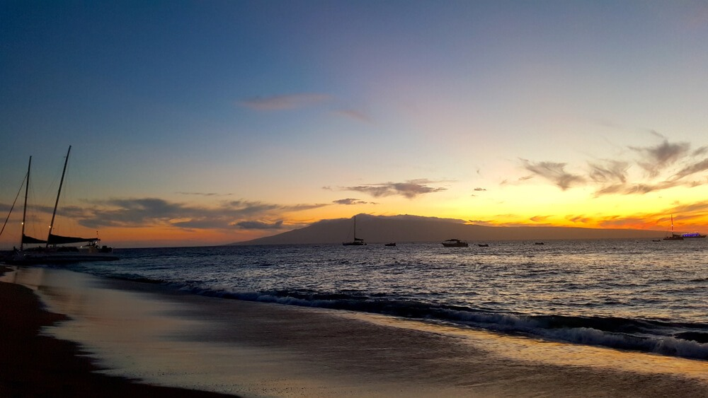 Take a Sunset Dinner Cruise in Kaanapali