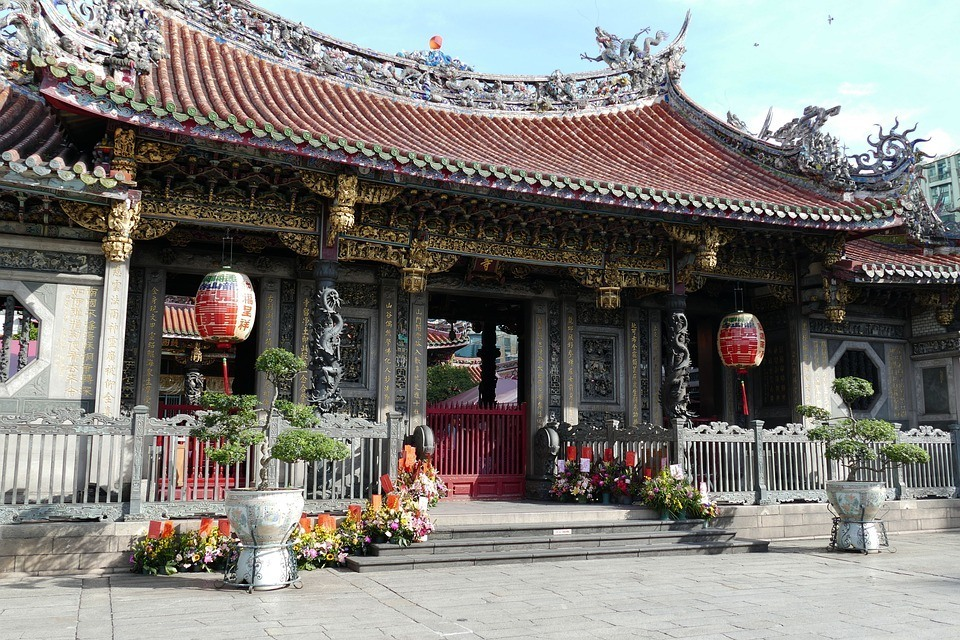 Longshan Temple - most religious places to see in Taipei