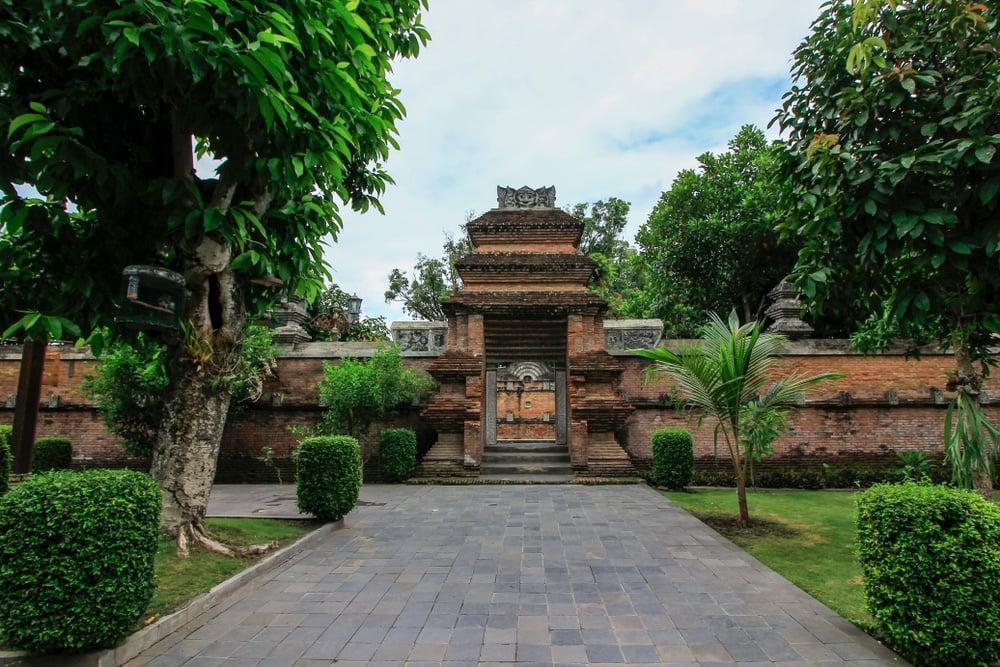 The East, Yogyakarta