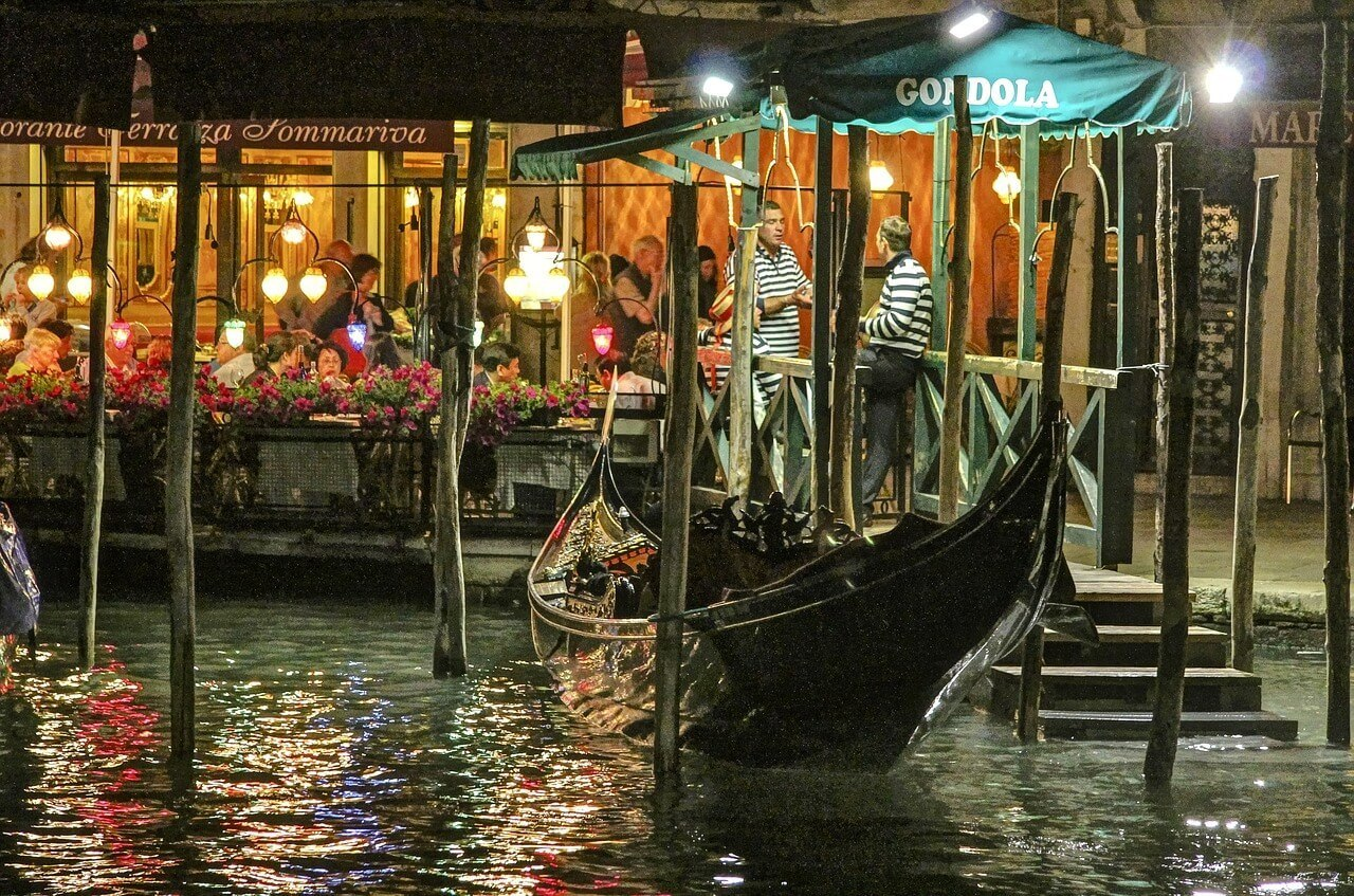 Venice Nightlife Guide