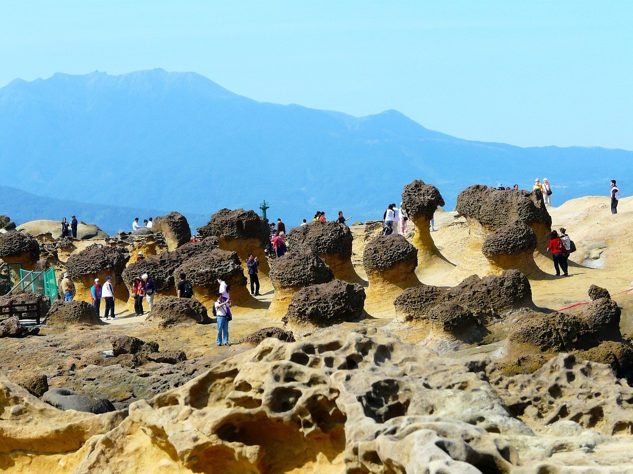 Yehliu Geopark - A beautiful outdoor place to visit in Taipei