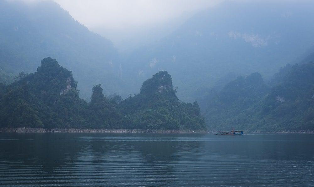 na hang lake in vietnam tourism