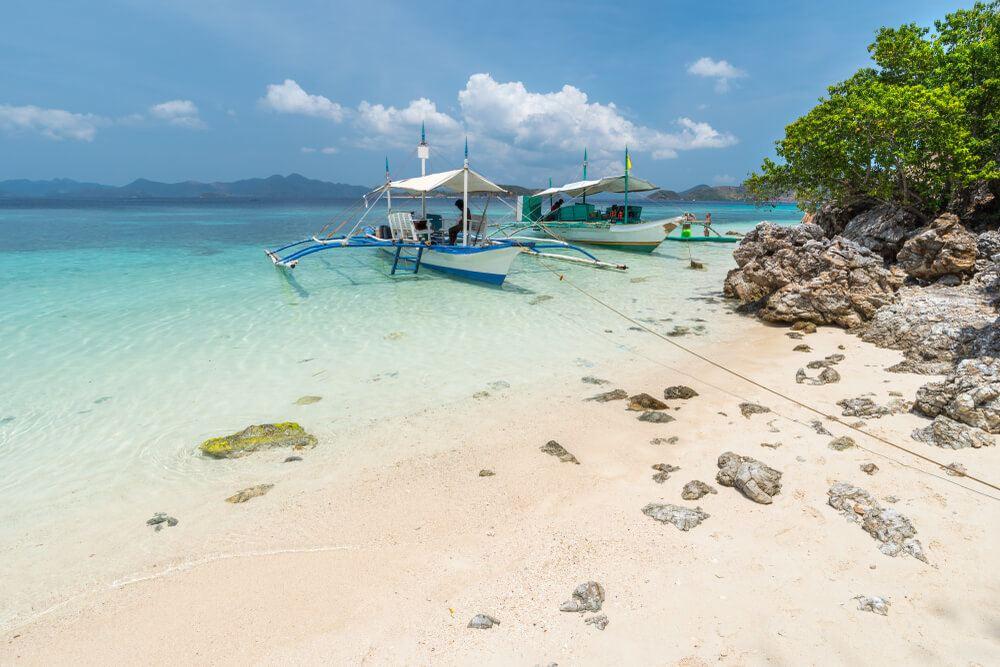 Bulog Dos Island