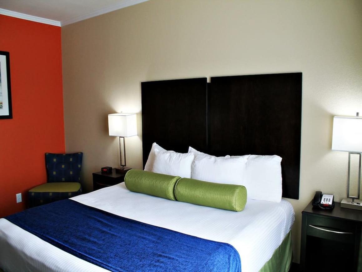 Cityview Inn & Suites Downtown RiverCenter Area