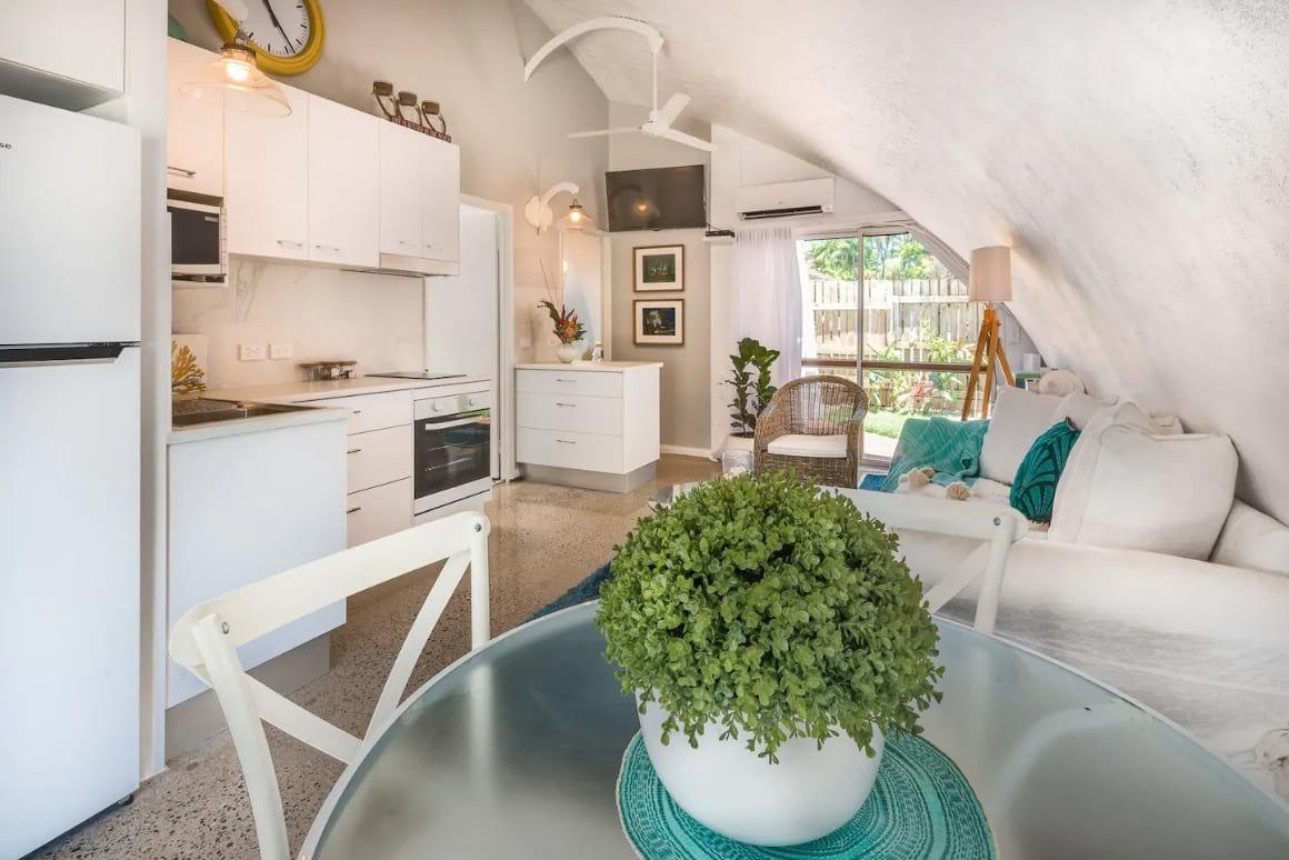 Cool Beach-Dome-Home