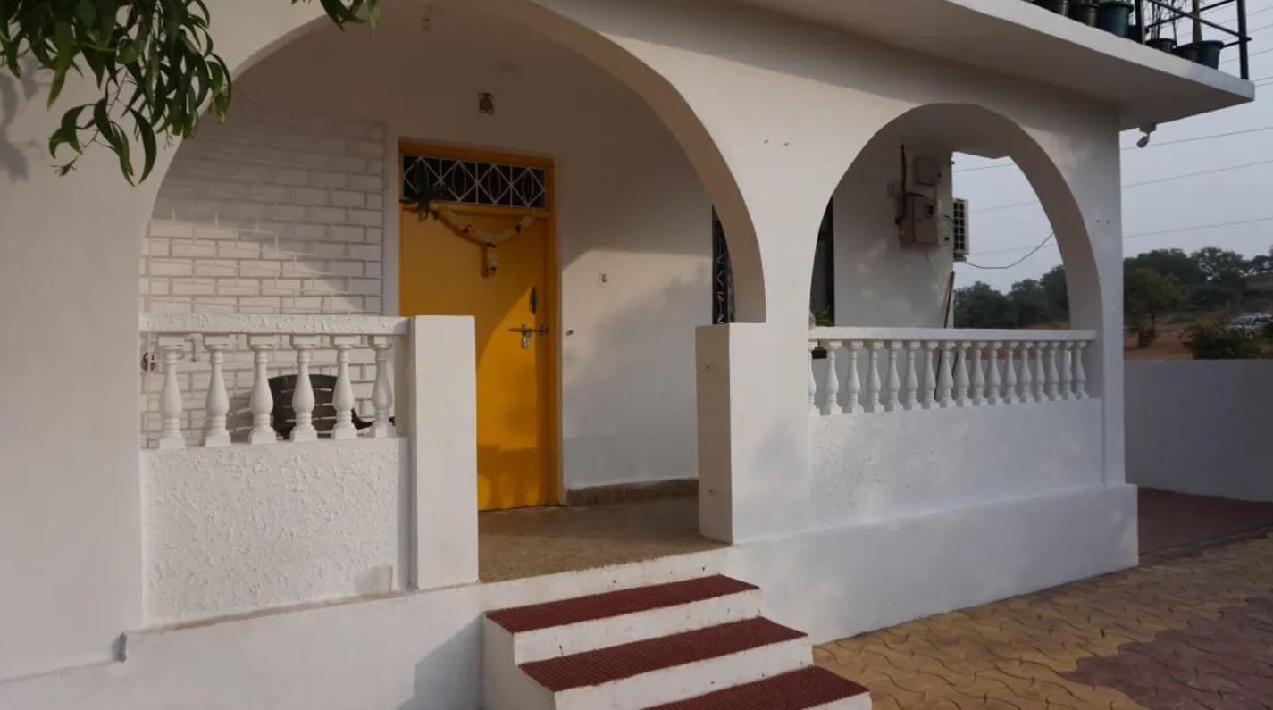 best hostel in goa