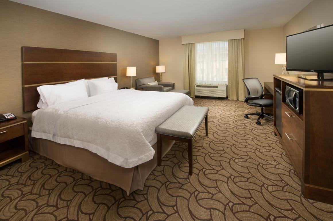 Hampton Inn & Suites San Antonio-Downtown Market Square