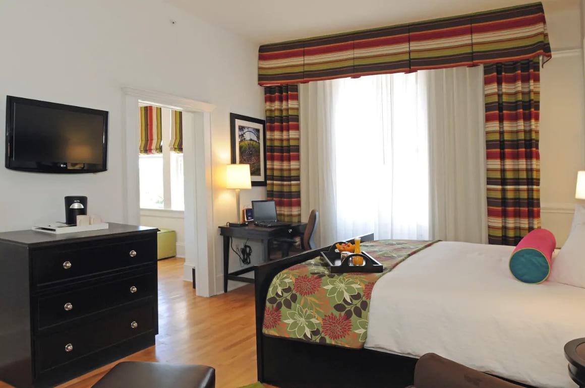 Hotel Gibbs Junior Suite